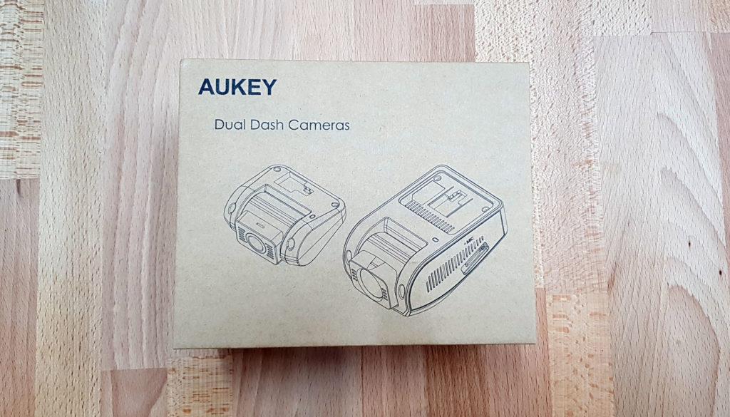 recensione doppia dash cam aukey 1080p confezione